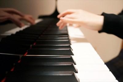 大阪の音楽スタジオなら【MUSIC STUDIO NECO】へ〜ピアノのレッスンの問い合わせもお待ちしています〜