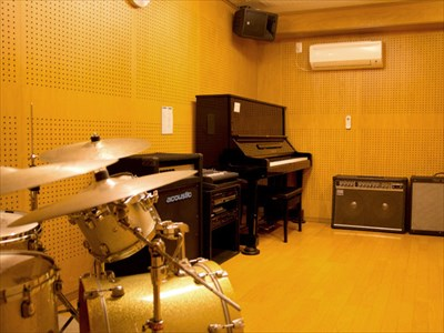 大阪でレコーディングができるスタジオをお探しなら【MUSIC STUDIO NECO】へ